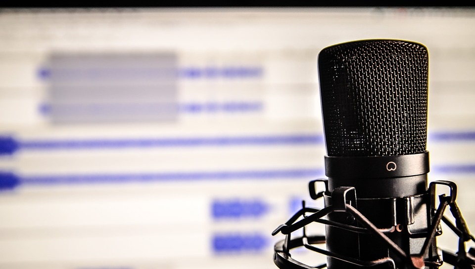 7 Reasons Why You Need to Add Podcasts to Your Content Marketing Strategy
