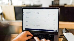 The Top Ecommerce Trends to Keep Track of in 2022